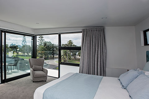Orewa Beach Home 17